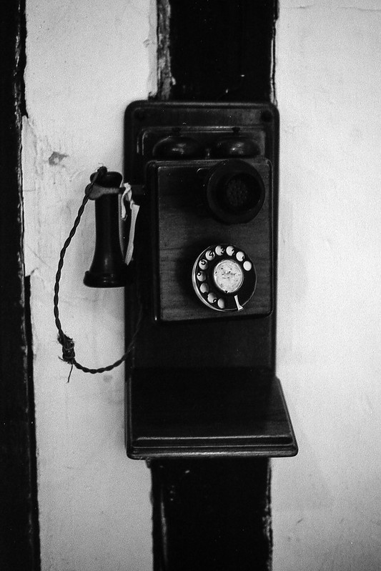 FILM - The old phone