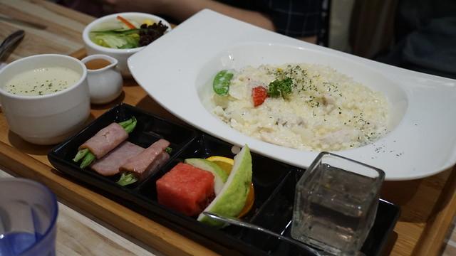 奶油雞肉蘑菇燉飯@高雄童樂島親子餐廳