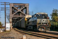 NS 9833   GE C40-9W   UP Memphis Subdivision