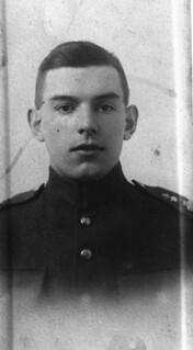 Private John Francis Young / Soldat John Francis Young