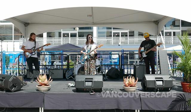 Jody Glenham and band