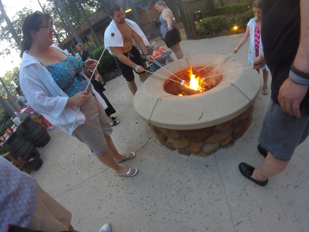 Evening s'mores at Port Orleans Riverside