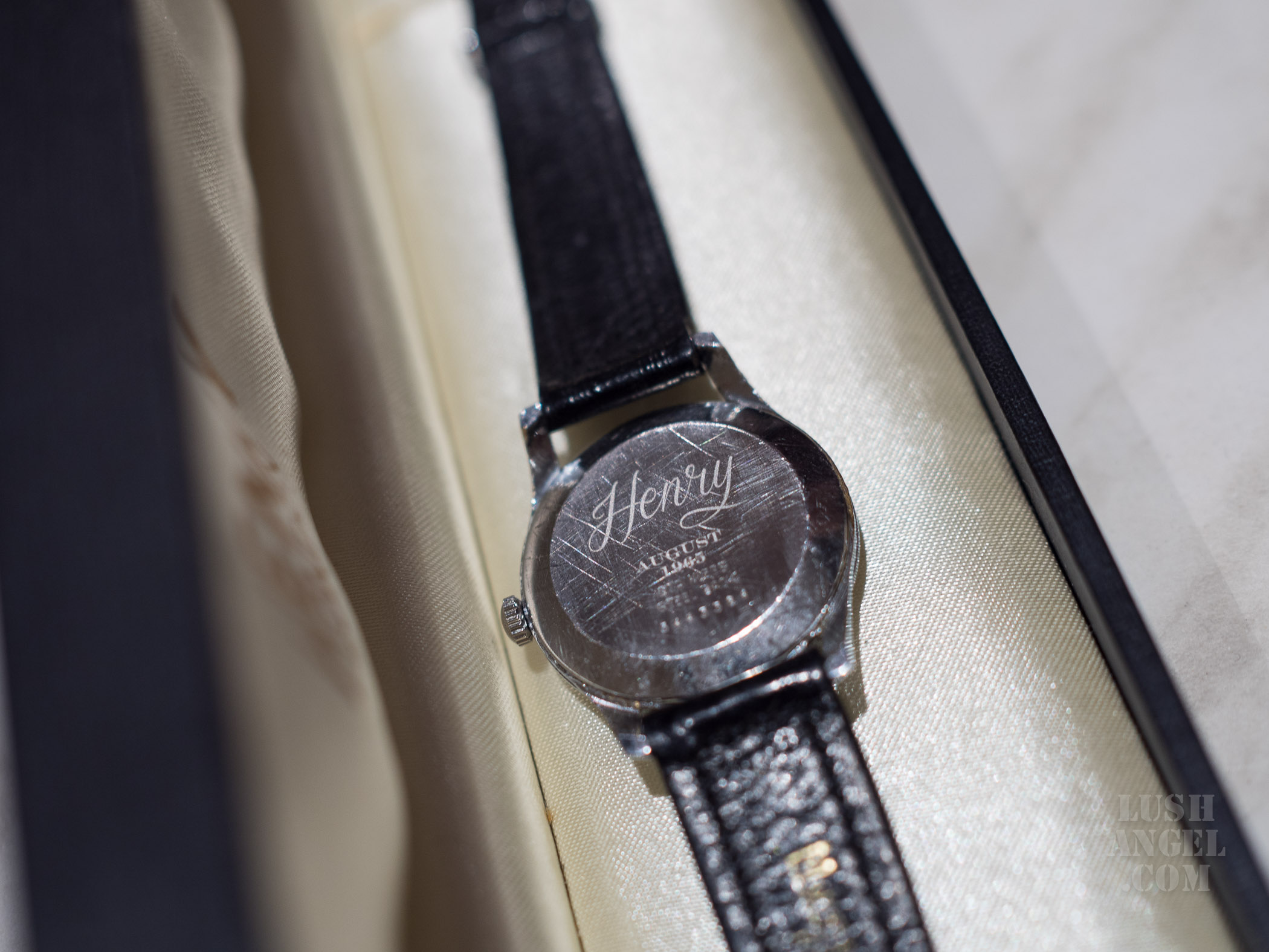 leather-vintage-watch