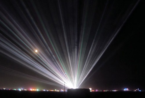Lasers at Burning Man (2578)