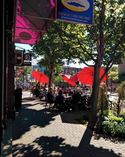 Looking west on Victoria Row #pei #princeedwardisland #charlottetown #victoriarow #richmondstreet