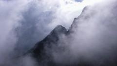 Grań Mięguszy we mgle.