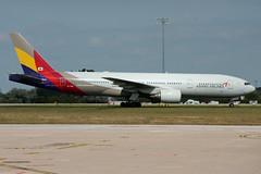 Asiana Airlines B777-200ER