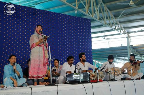 Devotional song by Suman Bawa from Rajauri Garden, Delhi