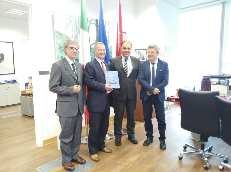 """Cluster Trasporti Italia 2020 - MISSIONE DEI CLUSTER TECNOLOGICI ITALIANI IN CINA """"FABBRICA INTELLIGENTE"""" E """"TRASPORTI ITALIA 2020"""", 17-22 SETTEMBRE 2017"""