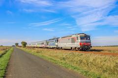 11 novembre 2011 BB 67582-67607 Train 3833 Quimper -> Bordeaux Lucon (85)