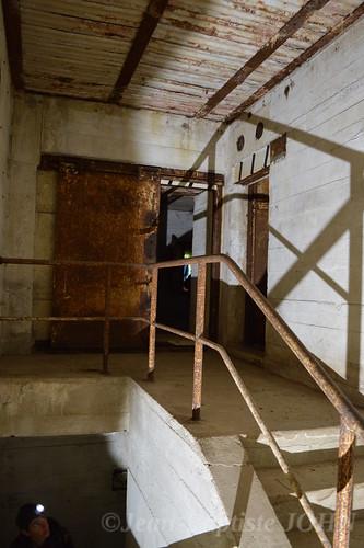 Escalier d'un bunker de transmission