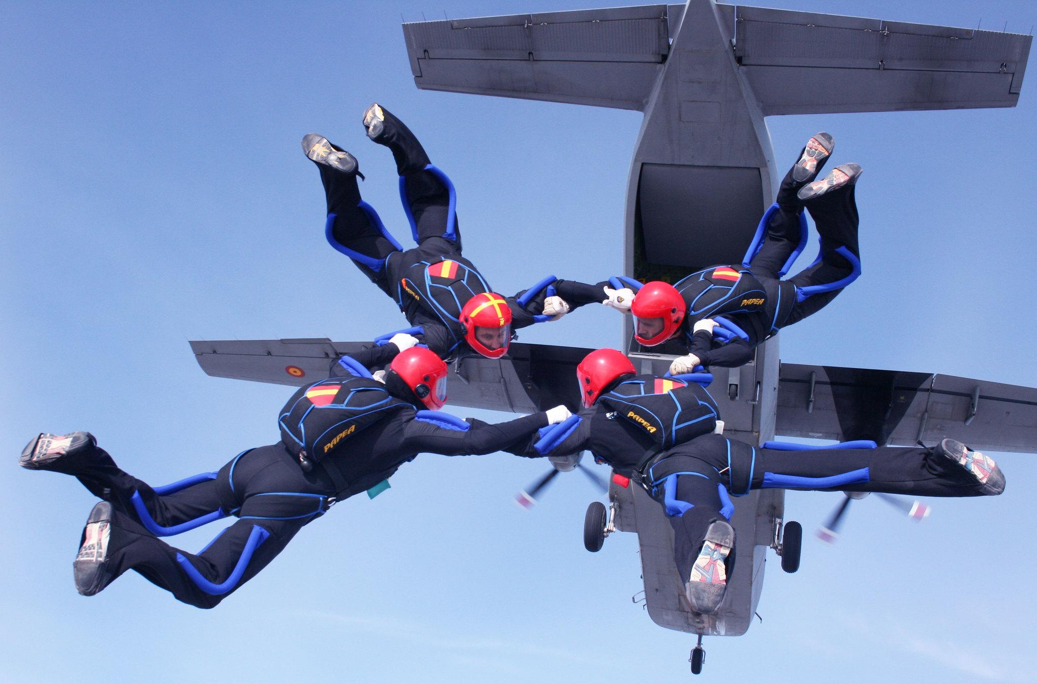 Salto en formación de caída libre