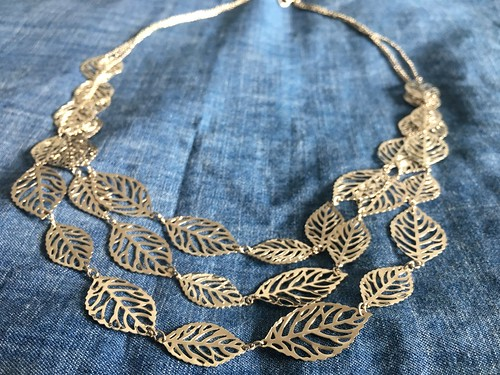 Reinventing tangled clearance bin necklaces from Monsoon to be a statement necklace | EvinOK