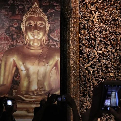 東京国立博物館のタイ展に来ています。日タイ修好130周年記念の特別展。タイの歴史と、仏教、芸術について学びつつ。あとで色々調べてみよう。