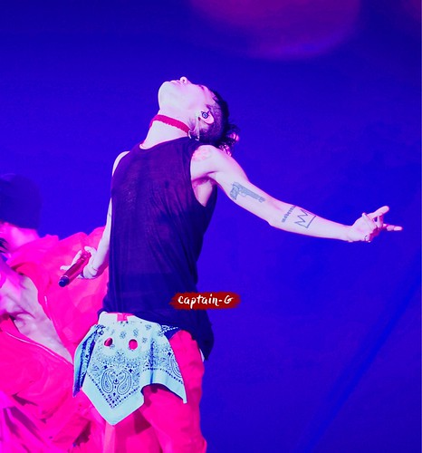 G-Dragon World Tour 2017 [ACT III M.O.T.T.E] in Fukuoka (4)