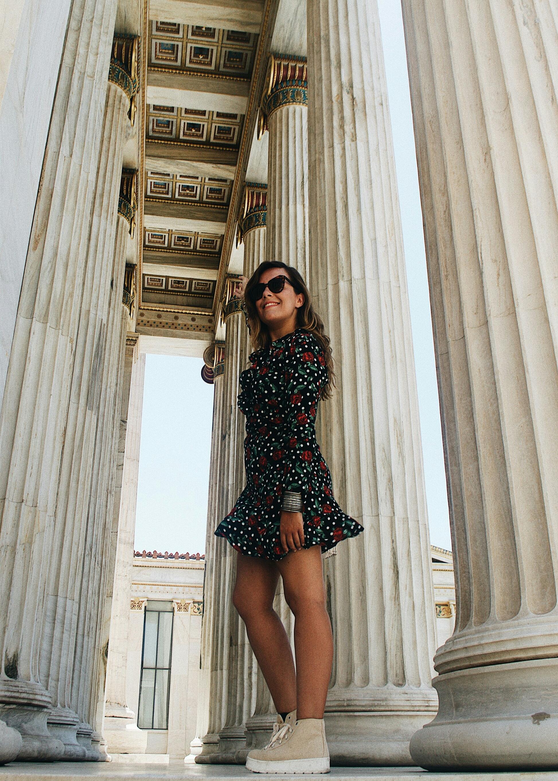 vestido cruzado con volantes-outfit-atenas-streetstyle