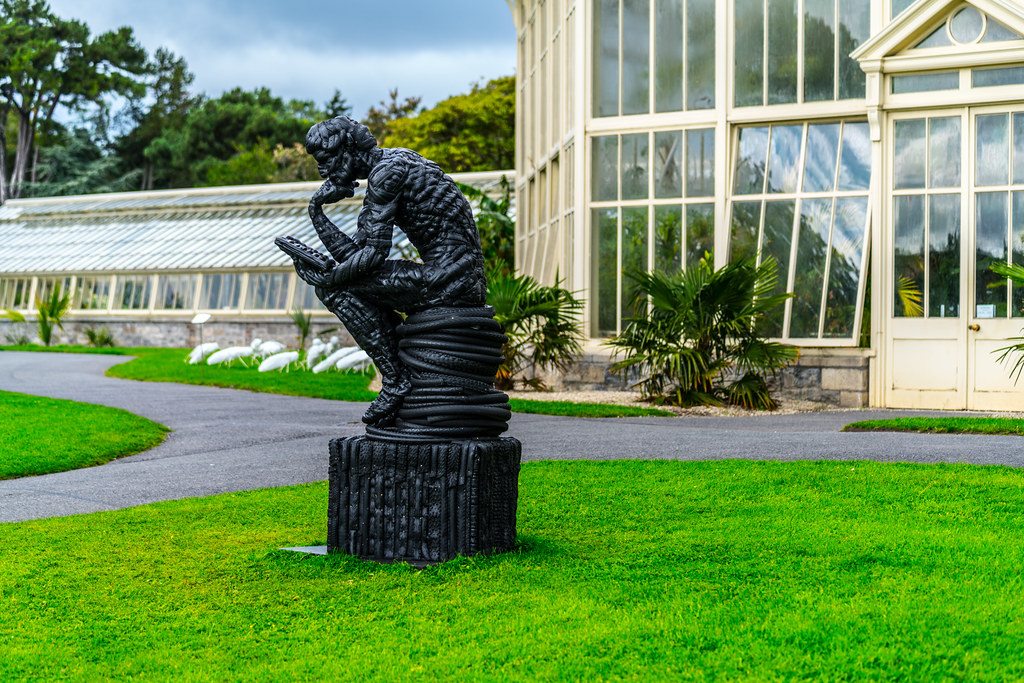 LE POETE BY MICK DAVIS - RECYCLED TYRES [SCULPTURE IN CONTEXT 2017]-1324748