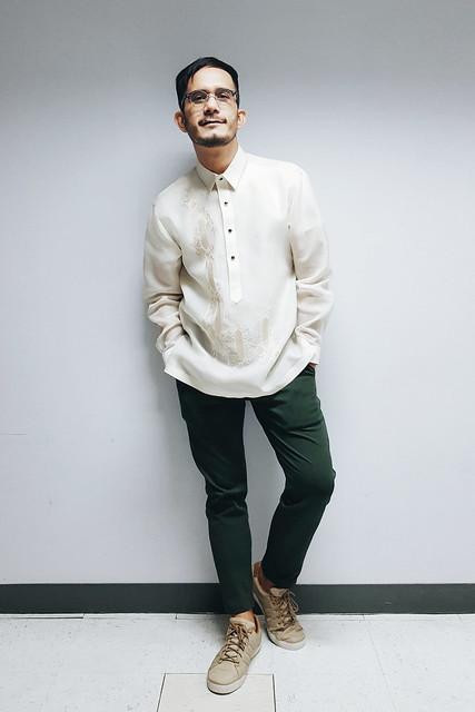 halfwhiteboy - barong tagalog and sneakers 03