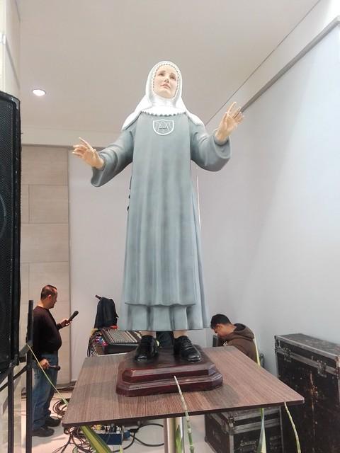 Posesión canónica parroquia Santa Laura Montoya