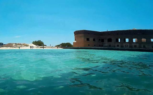 fort-beach-snorkel