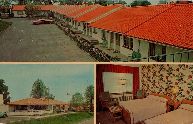 Thomas Motor Lodge and Howard Johnson's Restaurant Oswego,NY