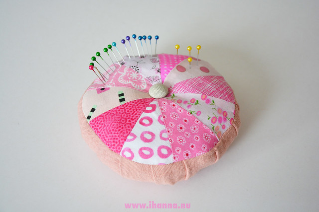 Make Something Today - iHanna's Pink Scrappy Pincushion