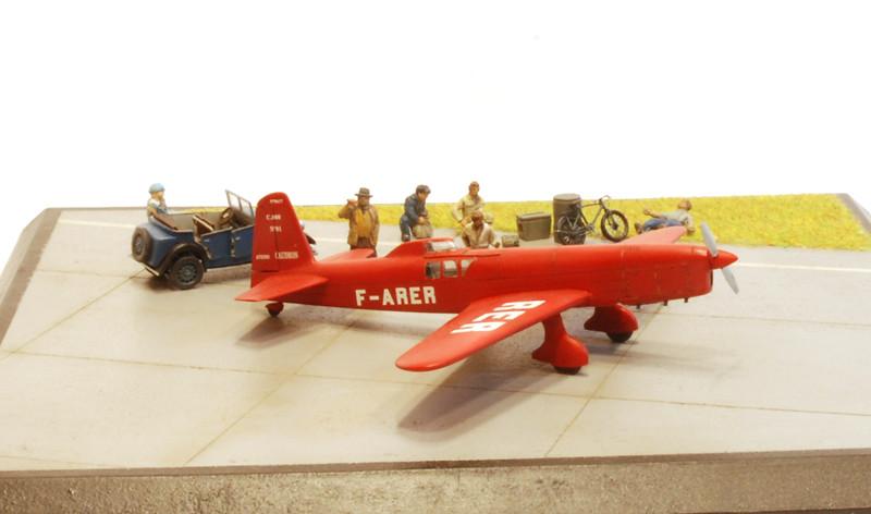 gros moteur et petites ailes... Une petite série de racers... Et un Farman - Page 2 37192332045_0ff87704f7_b