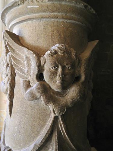 Najera Monastery: Stone angel face