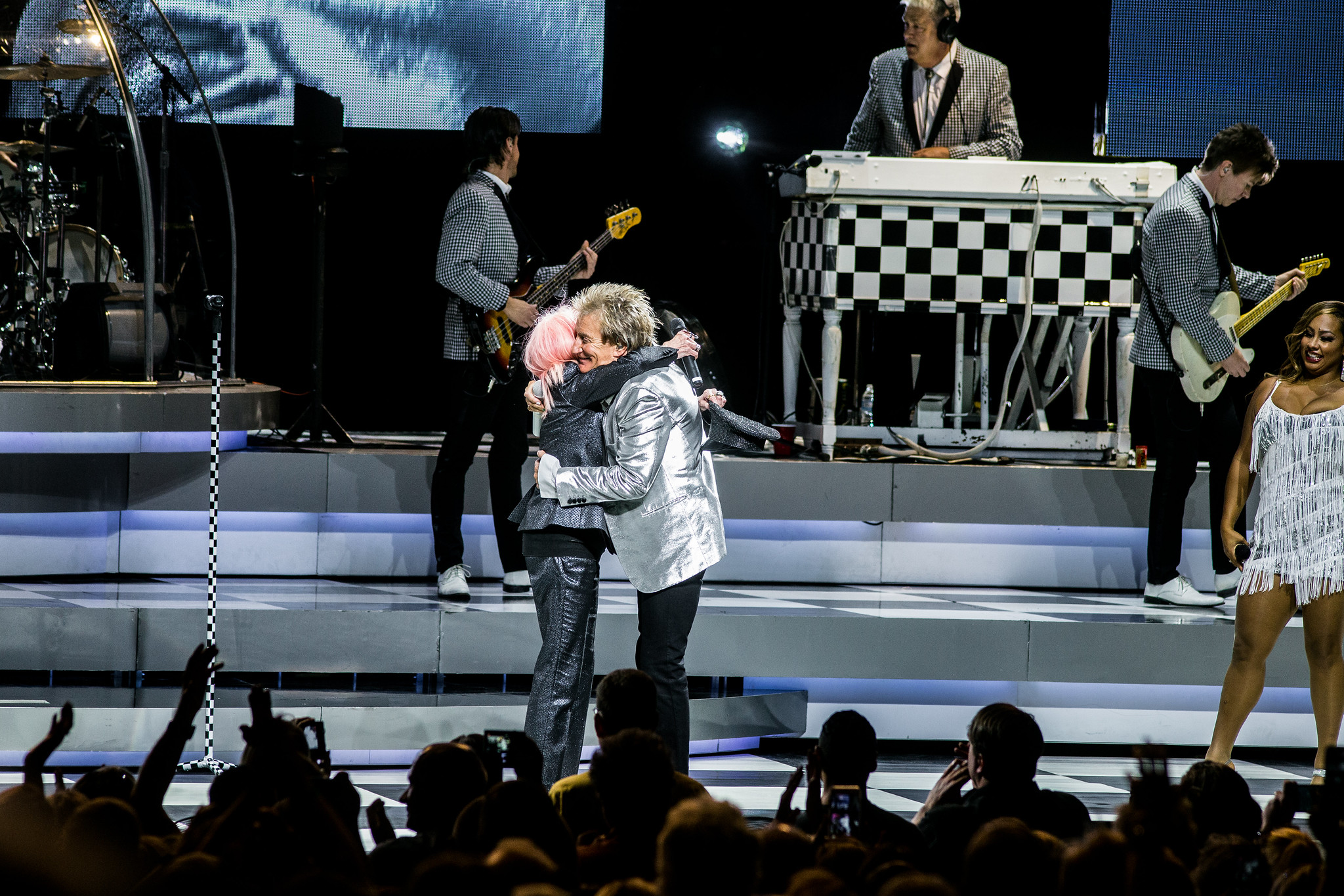 Rod Stewart w/ Cyndi Lauper