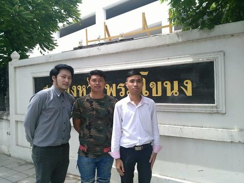 defendants in a referendum ballot tearing case at the Phar Khanong Provincial Court