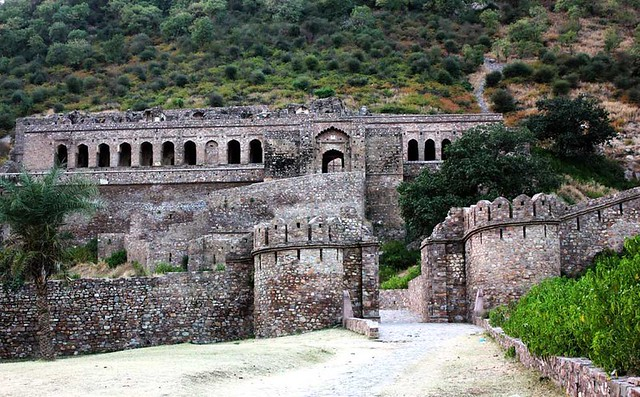 Bhangarh - A Must-Visit Abandoned Hike
