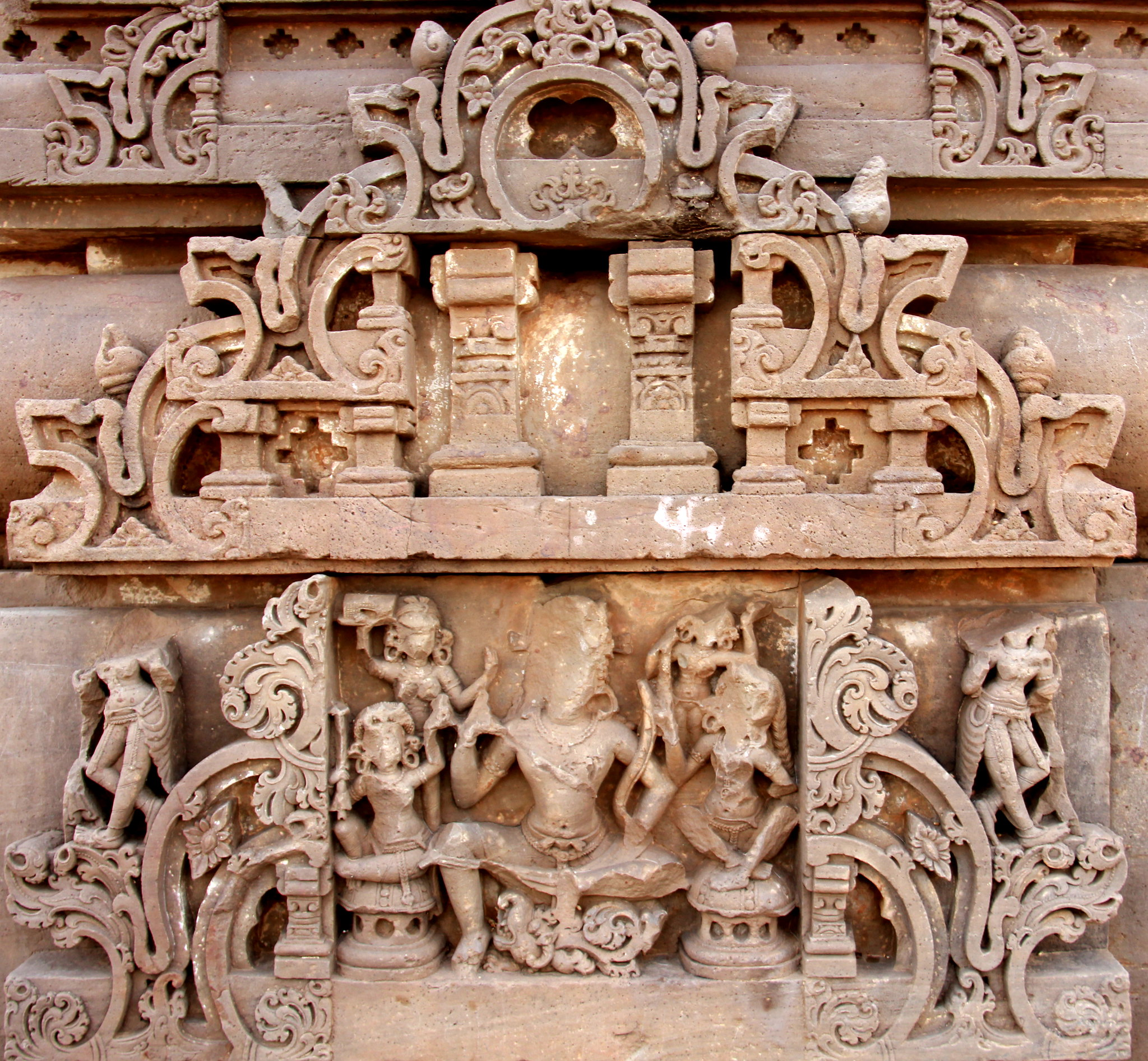 Gorgeous carvings at Abhaneri stepwell and Harshat Mata temple