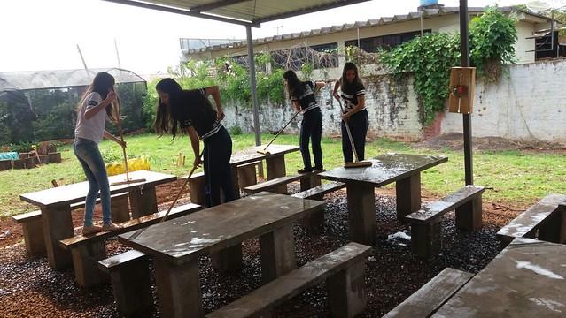 O colégio Amâncio Moro foi uma das 600 escolas ocupadas no Paraná, em 2016. Alunos se auto-organizaram para garantir limpeza e melhorias - Créditos: Corbelia Online