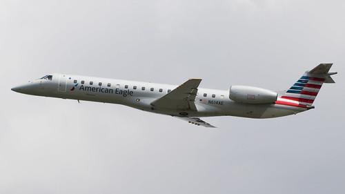 DCA - American Eagle Embraer 145 N614AE