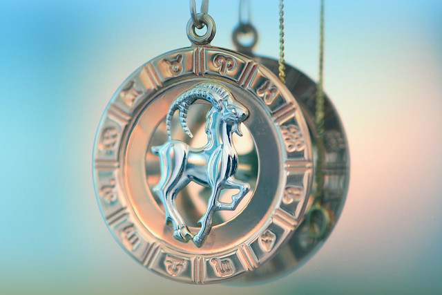 Lucky Gemstones for Capricorn Rashi