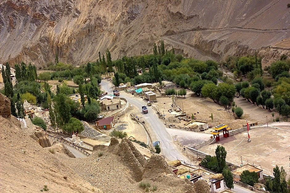 Villages on the Kargil-Leh highway