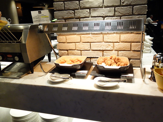 炸薯餅與鹹酥雞@高雄喜達絲飯店