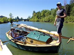 """Derek placed his rig on top of his aft """"tent-crutch"""" and cabin top, so his oars pass under the rig"""