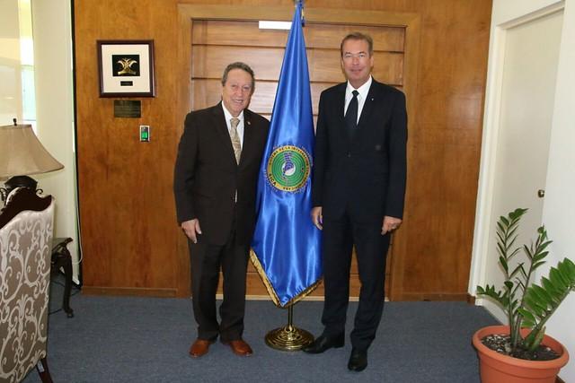 Secretario General del SICA comparte líneas de trabajo conjuntas con embajador de Alemania