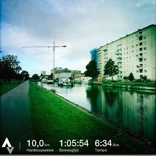 Hardlopen in Mulhouse. Vlak en niet te warm. Echt zoals ik het graag heb. Wel een rare stad. Maar bon. Vanaf nu weer tandje bijsteken. #marathongent #mulhouse #badiaprut #running
