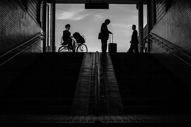 Uozu station, Canon EOS 5D, Canon EF 50mm f/1.8