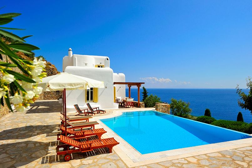 vacation-rental-photo_Greece_LIV-ILI_Villa-Ilios_iliext01_desktop