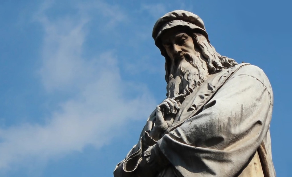 Milan Leonardo da Vinci Statue