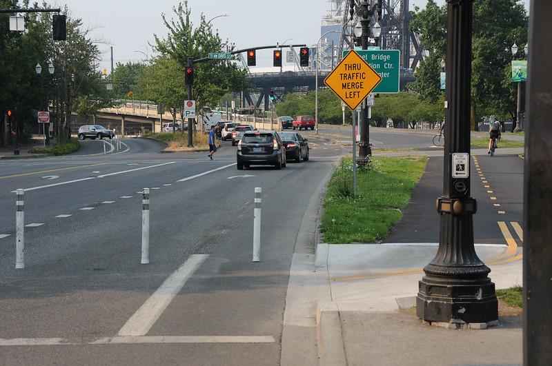 New bike signal Davis and Naito-2.jpg