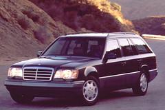 Mercedes_320TE_1990_R1