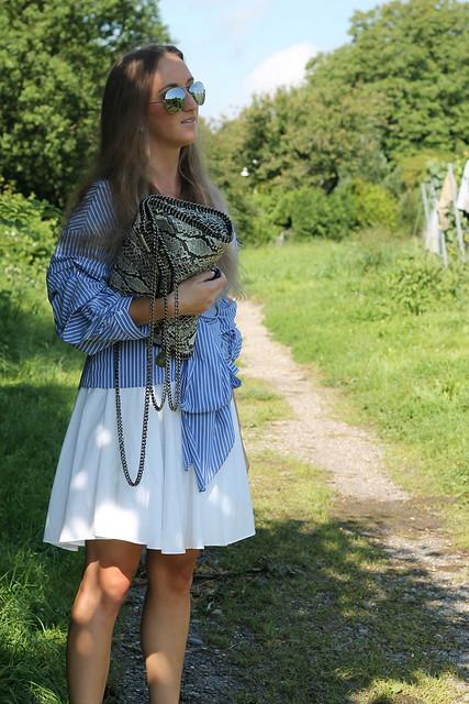 blue-blouse-details-wiebkembg