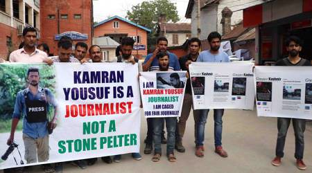 SOUTH KASHMIR JOURNALISTS PROOTEST IN SRINAGAR