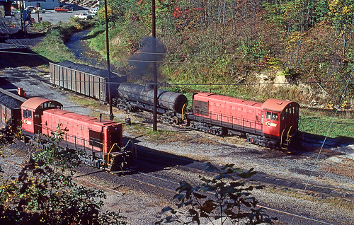 1981 10-03 1015 WCC S2s-no numbers switching at Appalachia, VA