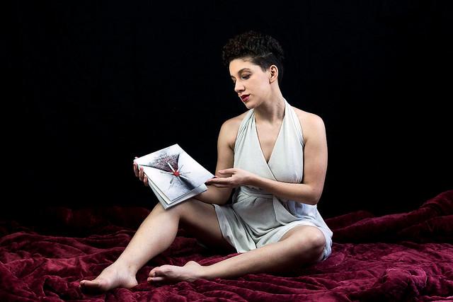 Além do livro, Sangria se desdobrou em uma websérie criada em parceria com outras mulheres artistas que trouxeram suas versões dos poemas - Créditos: Sérgio Silva
