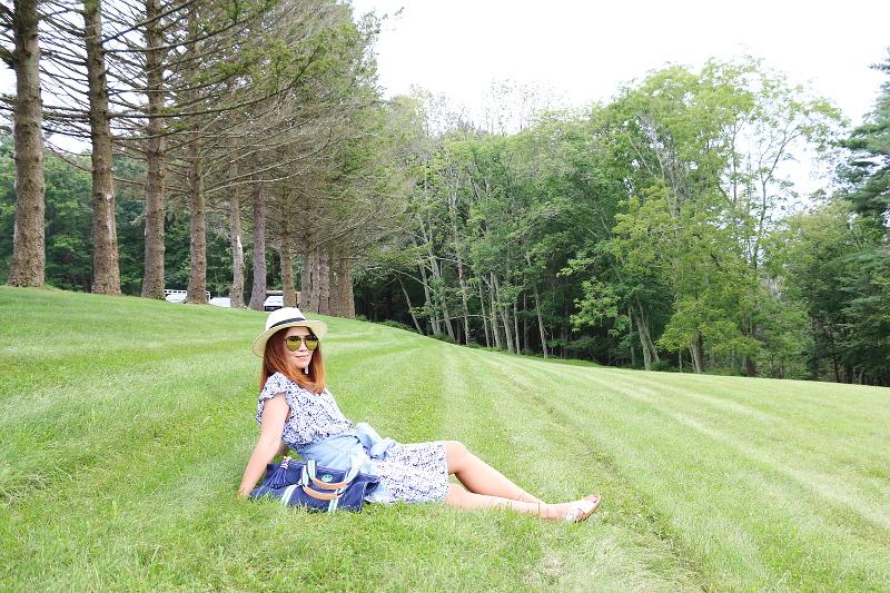 denim-jacket-blue-dress-coverup-straw-hat-7